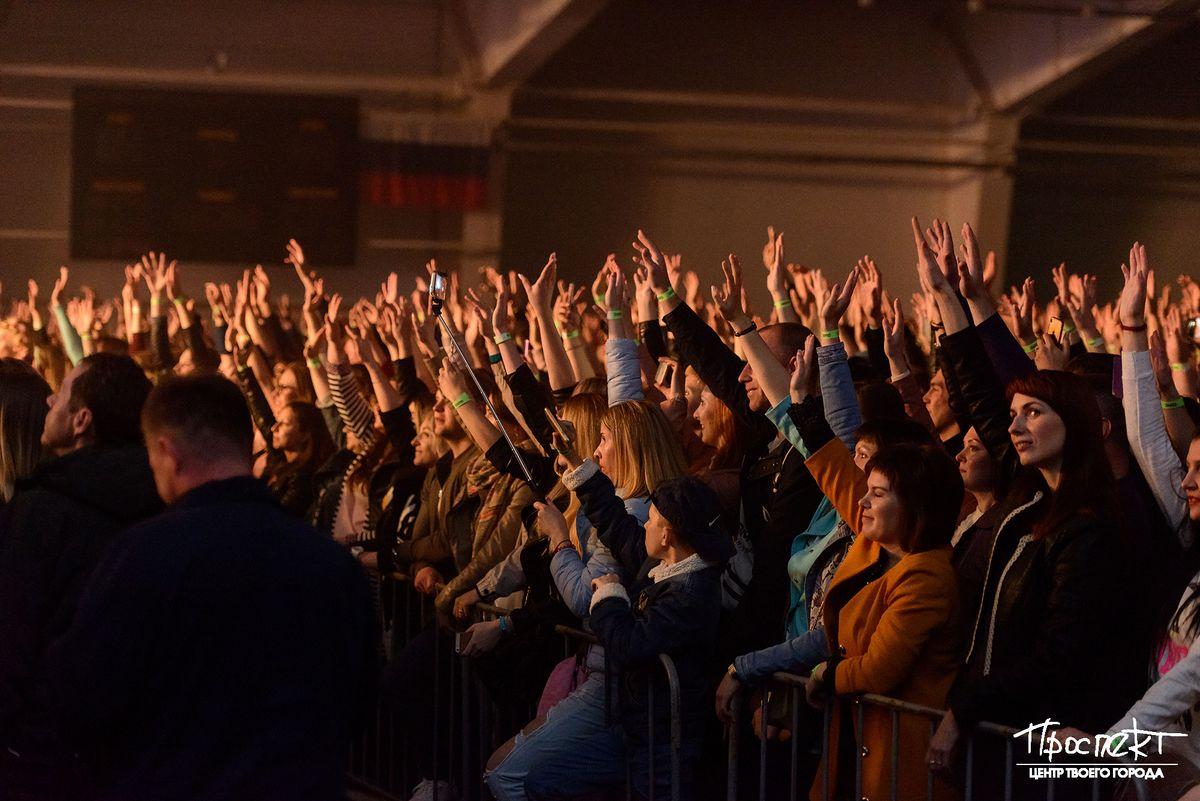 проспект медиа, руки вверх в коврове, толпа, концерт