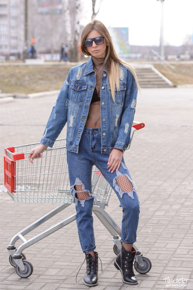 filmi-porno-tyatya-v-kolgotkah-yaytsam-russkaya